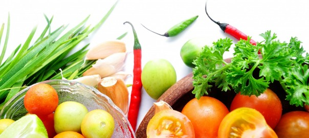 dishes_vegetables_tomatoes_peppers_herbs_garlic_onion